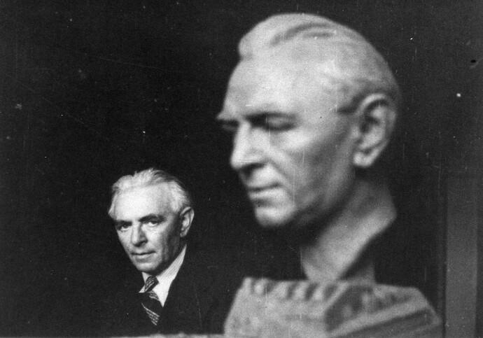 Fleishmann's bust