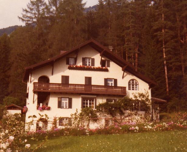 Villa Friedman, SIusi